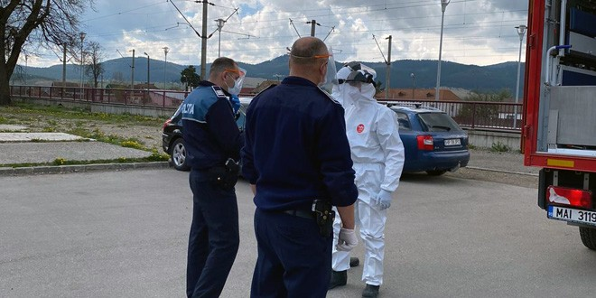 Suspect de COVID-19, identificat de patrula Poliției TF în gara din Miercurea Ciuc