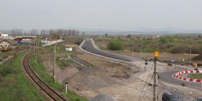 Începând de mâine, drumul de ocolire a municipiului Miercurea Ciuc se închide pentru a se putea turna stratul de uzură