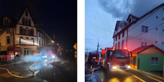 Incendiul de astăzi dimineață din Toplița ar fi izbucnit după ce s-au aprins materiale combustibile situate în apropierea unui coș de fum