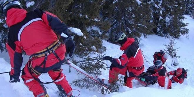 Intervenţie extrem de dificilă a salvamontiştilor harghiteni după ce un bărbat a căzut în gol aproape 140 de metri de pe vârful Suhardul Mic