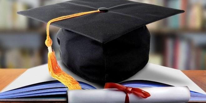 Aproape jumătate dintre absolvenţii de liceu din 2020 îşi continuă studiile şi 27% s-au încadrat în muncă
