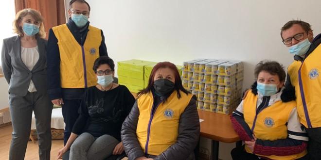 600 de kilograme de hrană pentru copii şi 15 tensiometre donate de Cluburile Lions Miercurea Ciuc şi Bucureşti