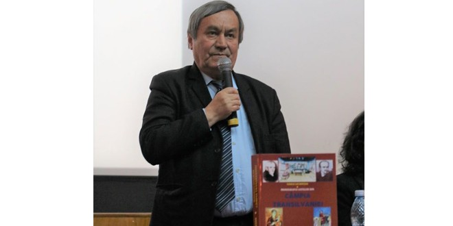 <h5><i>Vasile Lechinţan. Ultimul interviu</i></h5>Arhiepiscopii catolici au confundat în folos propriu administrarea cu proprietatea, iar decidenţii politici şi judecătorii români au făcut acelaşi lucru din slăbiciune şi prostie pură