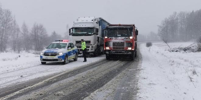 Trafic în condiții de iarnă în tot județul!