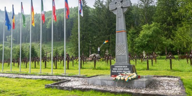 Hotărârea Consiliului Local Dărmăneşti prin care Cimitirul Internaţional al Eroilor din Valea Uzului era trecut în domeniul public al oraşului băcăuan, anulată în primă instanţă