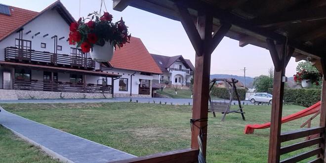 87 de unităţi de cazare, restaurante şi servicii conexe certificate Family-Friendly în Harghita