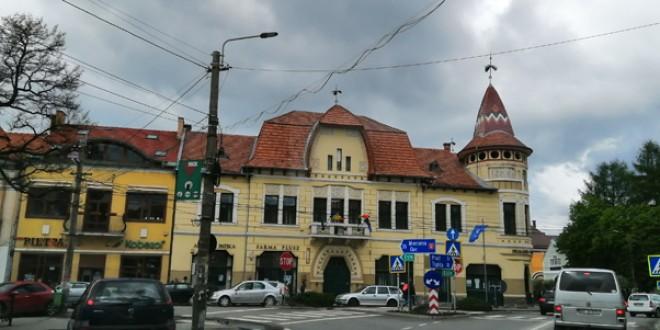 Municipiul Gheorgheni riscă falimentul, dacă pierde procesul intentat de o firmă din Ungaria şi care cere despăgubiri de peste 100 milioane de lei