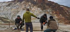 Lucrări de întreţinere la poteca tematică a fostei cariere de sulf din Călimani
