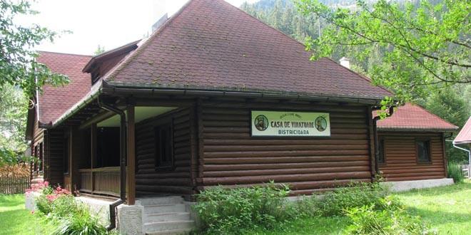 Fostele cabane de vânătoare ale Direcţiei Silvice Harghita, solicitate de turişti şi în acest sezon estival