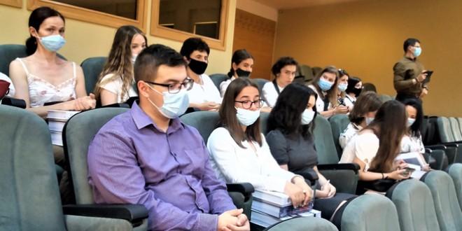 47 de elevi din judeţ premiaţi pentru rezultatele obţinute la probele de Limba română ale examenelor naţionale
