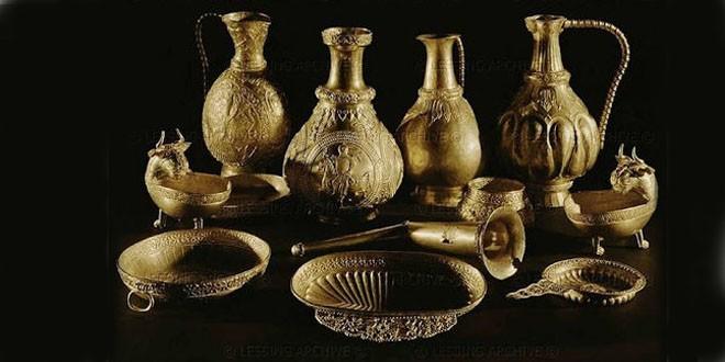 <h5><i>Vasile Lechinţan. Ultimul interviu</i></h5>Valori, comori istorice şi de artă româneşti deţinute de Ungaria şi Austria