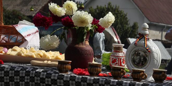 <h5><i>Duminică, la Sărmaş</i></h5> Festivalul Toamnei