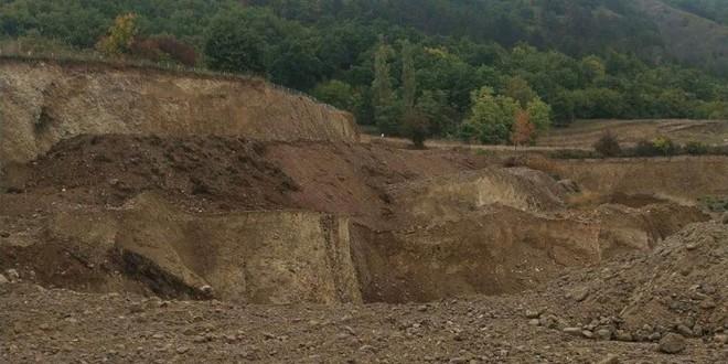 Firmă din zona Odorhei amendată de Garda de Mediu cu suma de 50.000 de lei, pentru exploatarea ilegală de agregate minerale (nisip, pietriş, balast)